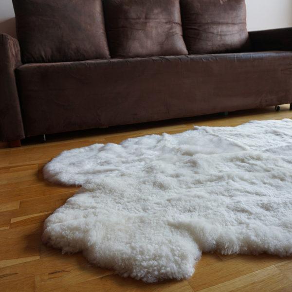 Strihané biele ovčie kožušiny - Quattro 2