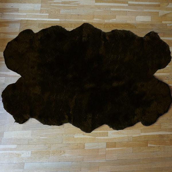 Strihaná tmavá ovčia kožušina - Quattro