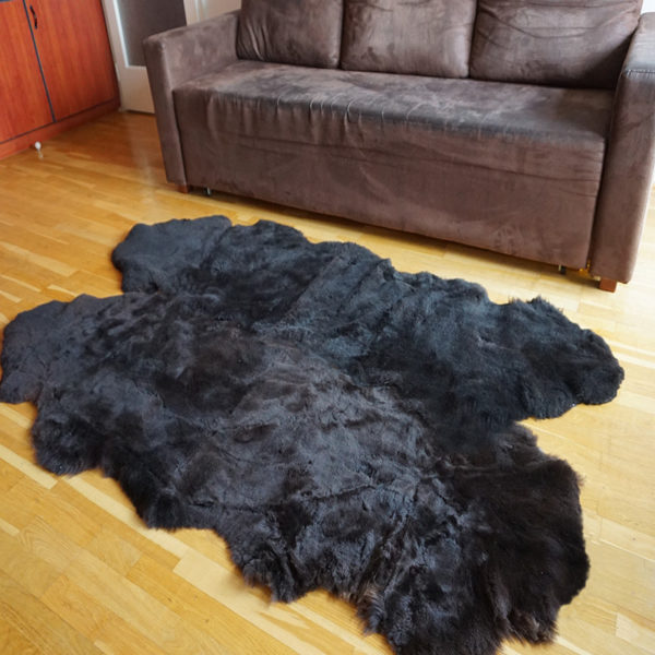 Strihaná tmavá ovčia kožušina - Quattro 3