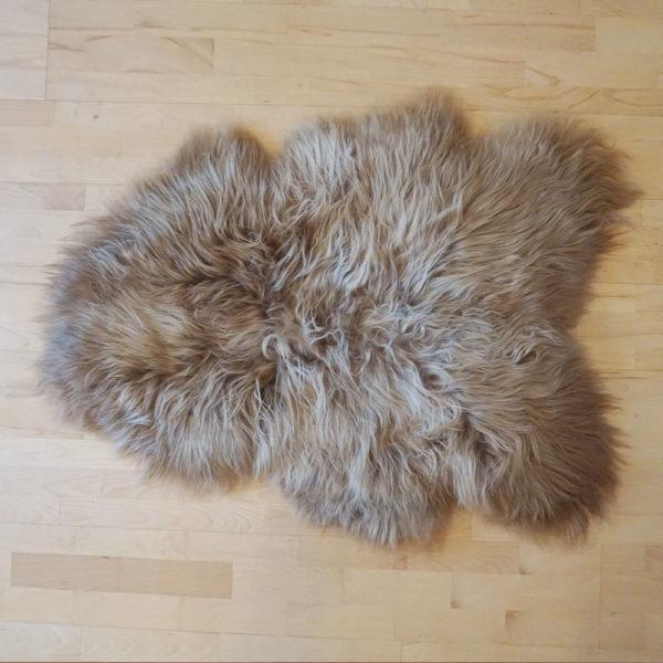 islandska hneda ovcia kozusina