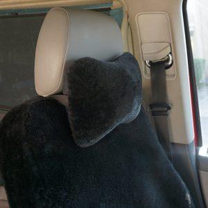Kožušinový vankúšik do auta / opierka hlavy - čierna