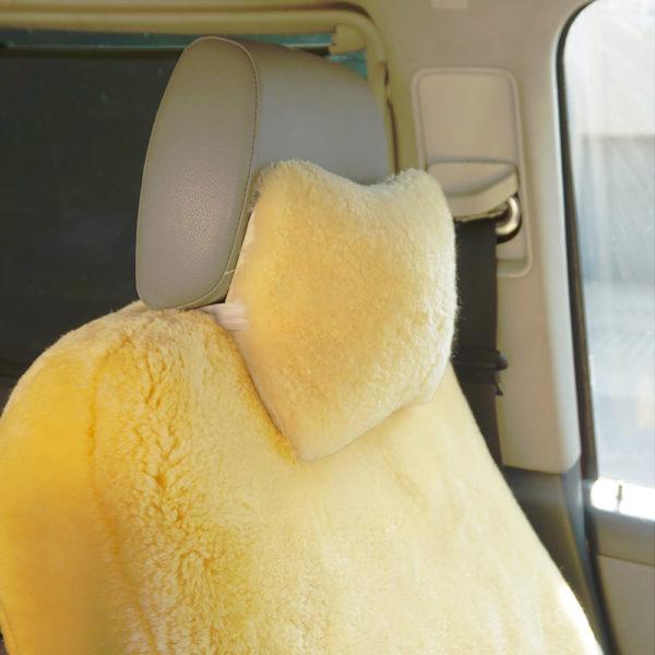 Kožušinový vankúšik do auta / opierka hlavy